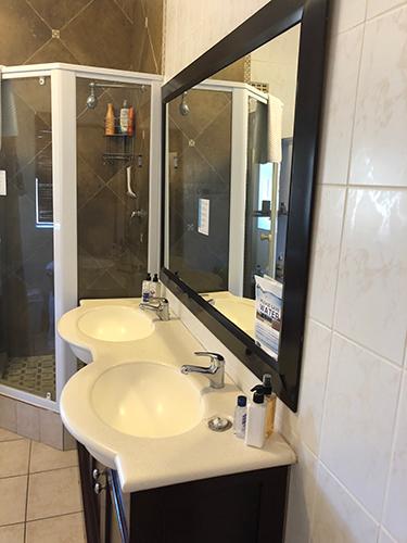 Cap Classique Bathroom En-Suite